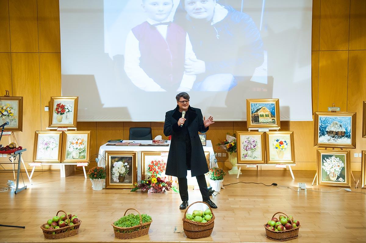 """Imagini de la cea de a patra expoziție de pictură marca PAUL SURUGIU - FUEGO – """"TAINA CULORILOR"""" - Centrul de Afaceri si Expozitii Bacau (22 sept. 2016)"""